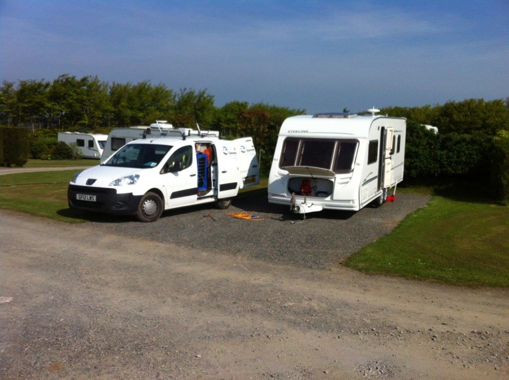 Mobile caravan servicing in spring